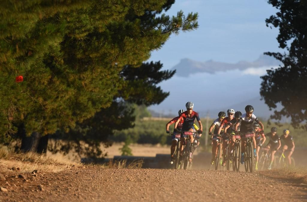 The women's field boasted a phenomenally strong line-up, filled with past and present national and international champions. Photo by Zoon Cronje.