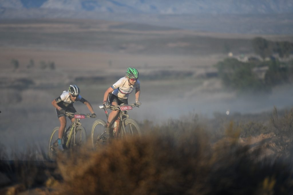Yolande de Villiers (left) and Mariske Strauss (right) went on the attack in search of stage victory on the final stage of the Momentum Health Tankwa Trek, presented by Biogen. Photo by Zoon Cronje.