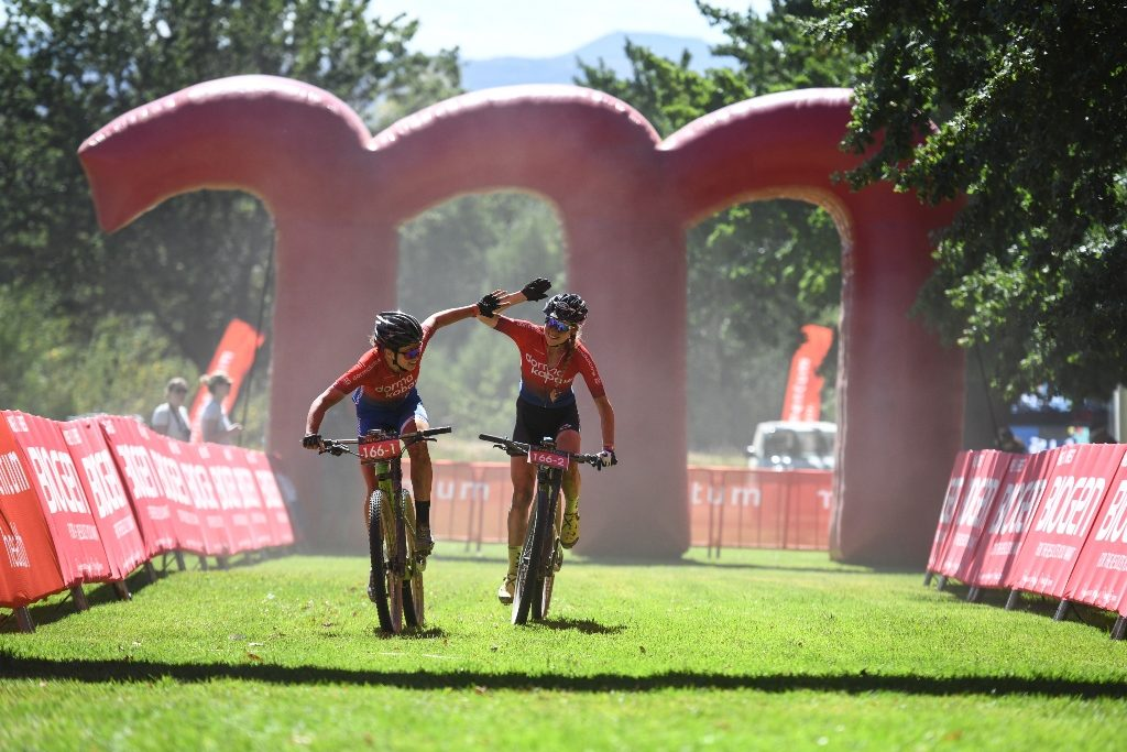Candice Lill (left) & Helen Grobert (right), of dormakaba, lead from pillar to post on Stage 1 of the Momentum Health Tankwa Trek, presented by Biogen. Photo by Zoon Cronje.